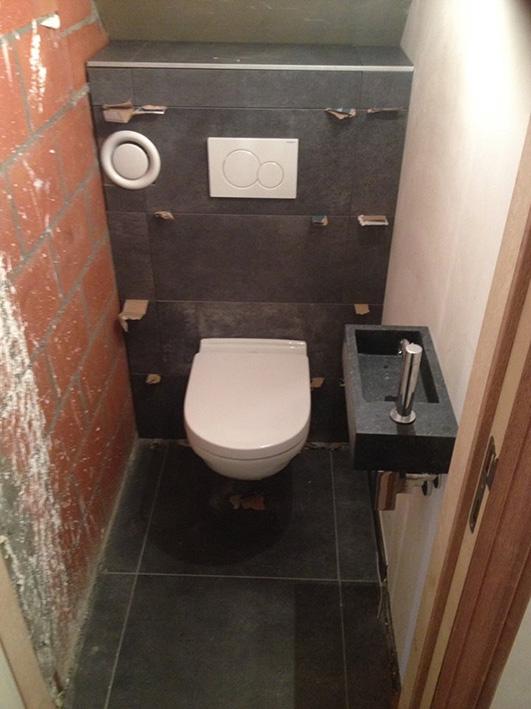Plaatsen toilet nieuwbouw
